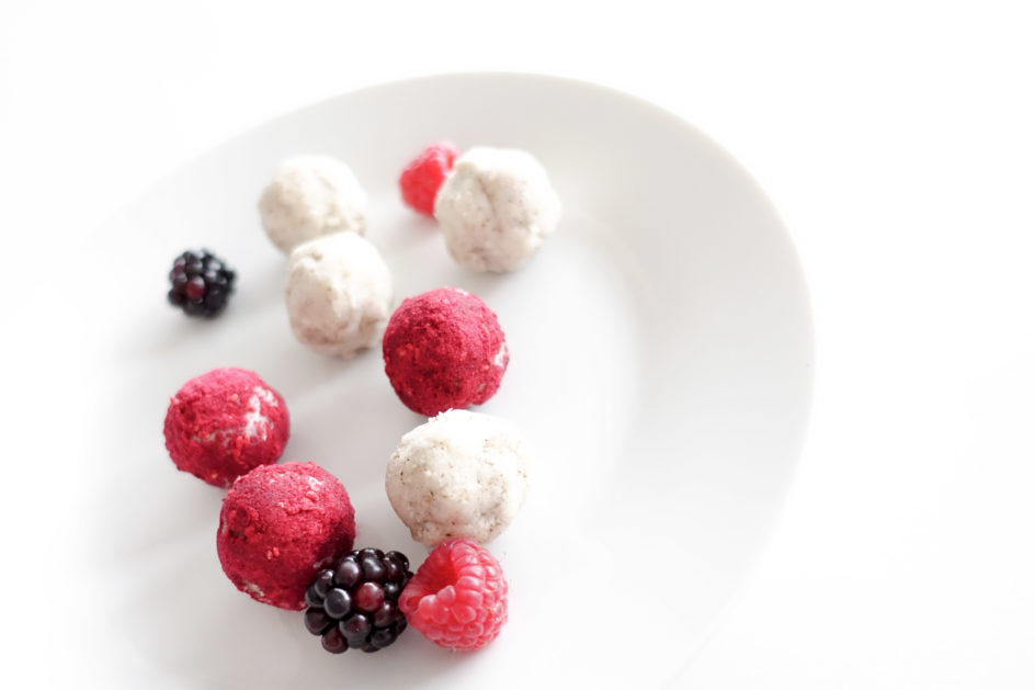 coconut berry protein balls